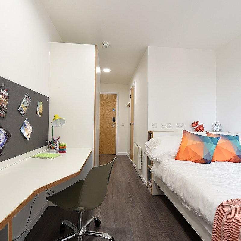 Cool Student Ensuites Studios Dobbies Point Glasgow Download Free Architecture Designs Barepgrimeyleaguecom